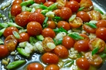 tomatoes, garlic and scallions