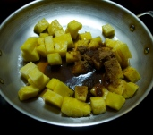 Pineapple w/ brown sugar and apple cider vinegar
