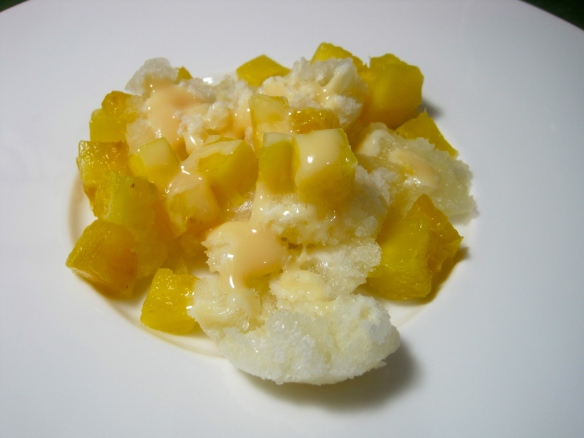Ginger Shaved Ice w. Pineapple and Sweetened Condensed Milk