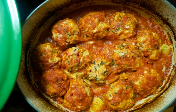 Turkey Spinach Meatballs with Roasted Garlic Tomato Sauce