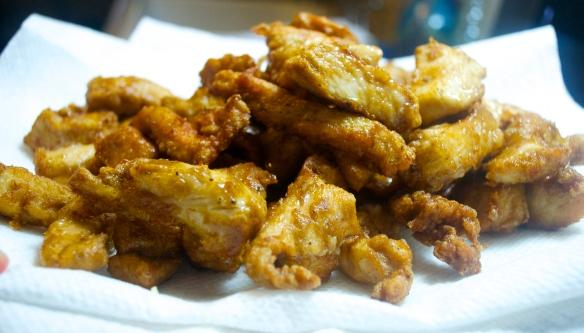 Fried chicken pieces