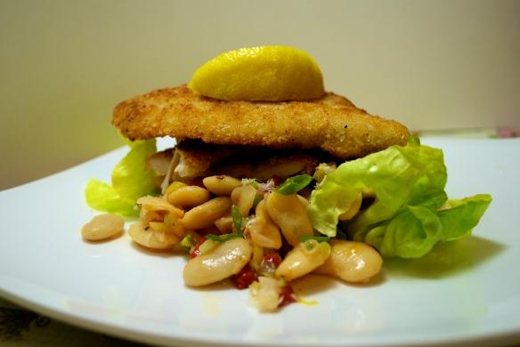Crispy Chicken Cutlets w. Butter Bean Salad
