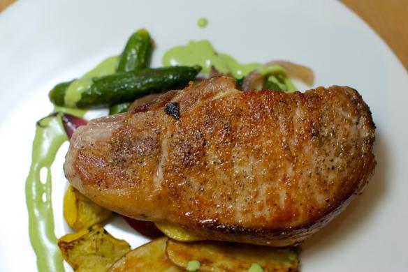 Pork chop with Spinach yogurt sauce