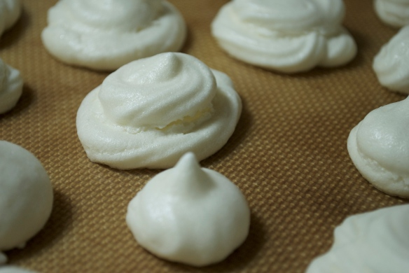 Peppermint Meringue Cookies
