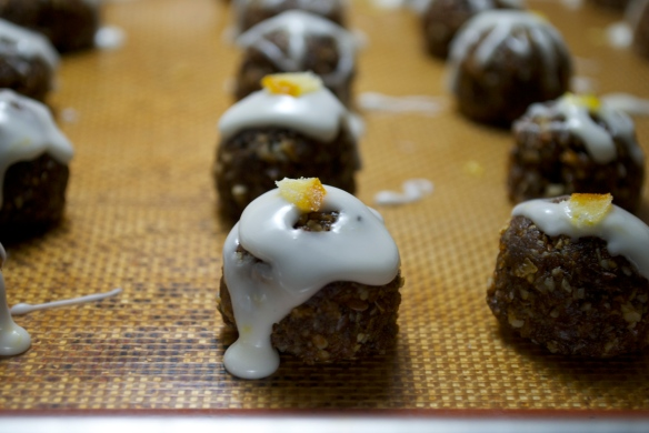 """Gingerbread """"truffles"""" with lemon icing"""