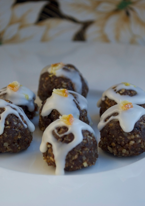 "Gingerbread ""truffles"" with lemon icing"