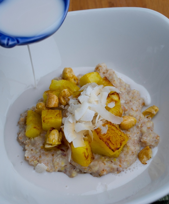10-grain cereal with pineapple, coconut and cashews