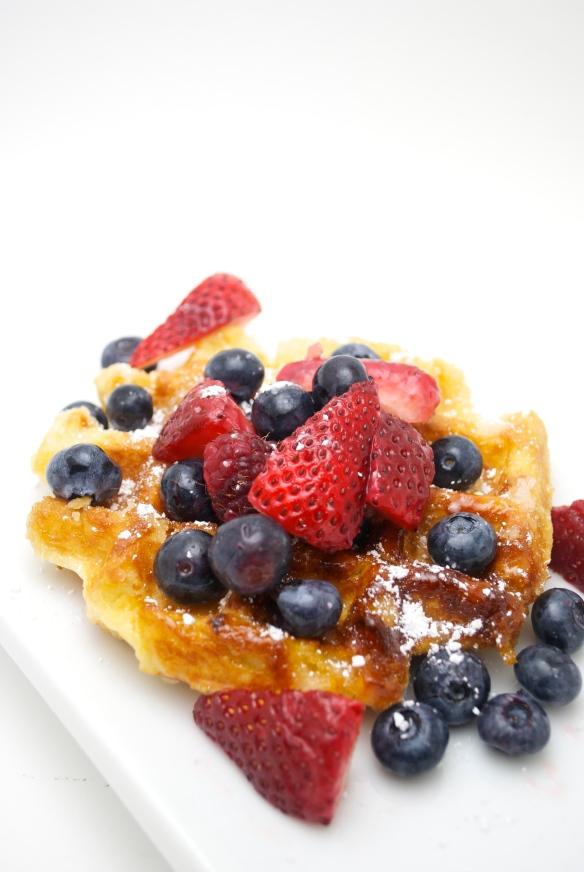 Liege Waffle w. Fresh Berries