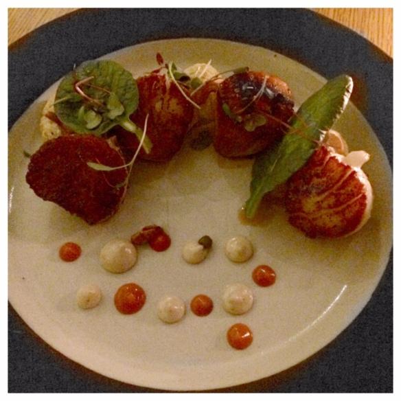Seared scallops with roasted cauliflower