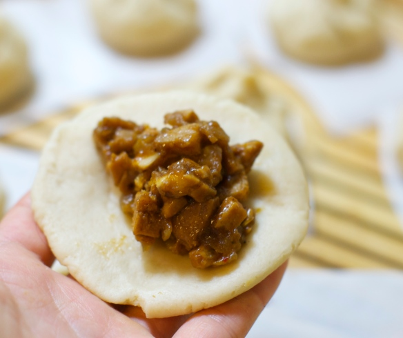 Stuffing the steamed buns